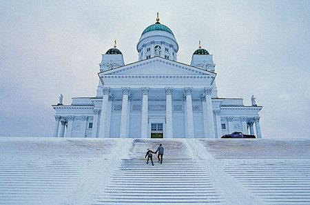 你愿意和我一起走遍世界上的教堂吗?_白色教堂,赫尔辛基,虽然这是网络照片,但我真希望里面男女主角是我们