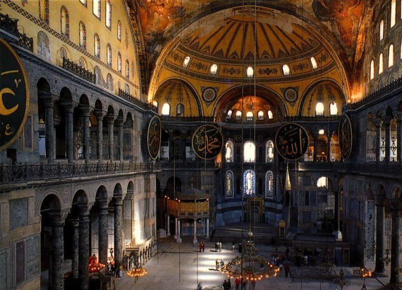 你愿意和我一起走遍世界上的教堂吗?_索菲亚大教堂.jpg