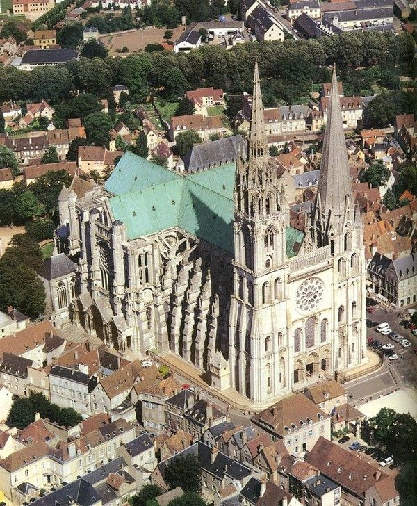 你愿意和我一起走遍世界上的教堂吗?_夏特尔大教堂.jpg