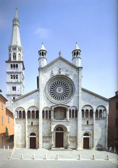 你愿意和我一起走遍世界上的教堂吗?_莫地那大教堂.jpg