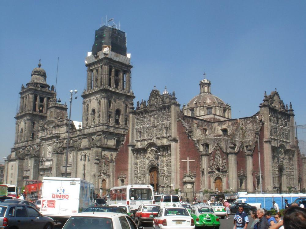 你愿意和我一起走遍世界上的教堂吗?_墨西哥大教堂.jpg