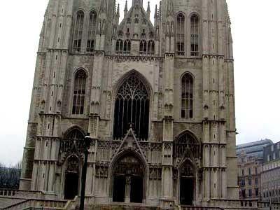 你愿意和我一起走遍世界上的教堂吗?_圣.米歇尔教堂.jpg