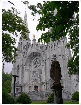 你愿意和我一起走遍世界上的教堂吗?_圣安妮大教堂2.jpg