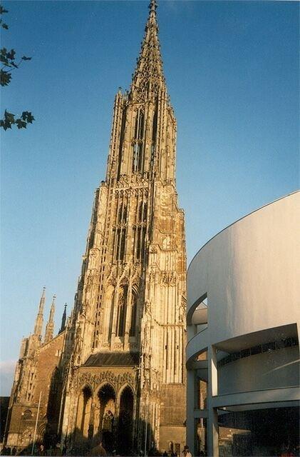 你愿意和我一起走遍世界上的教堂吗?_世界教堂高度之最:乌尔姆大教堂 4.jpg