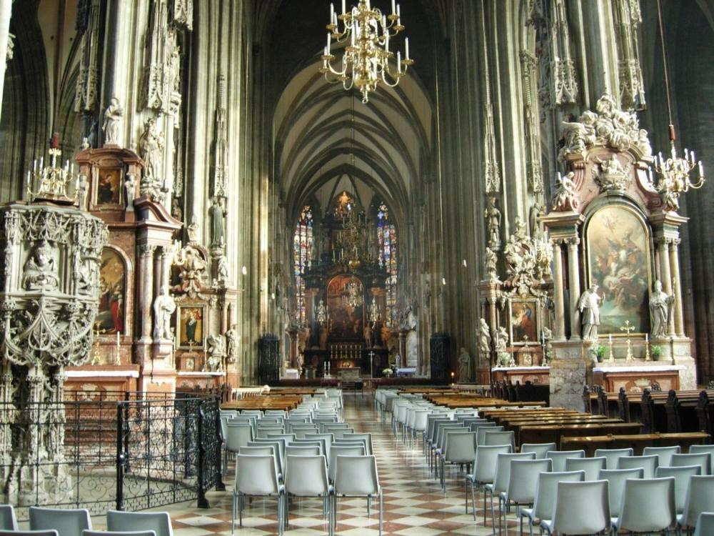 你愿意和我一起走遍世界上的教堂吗?_斯特凡大教堂.jpg