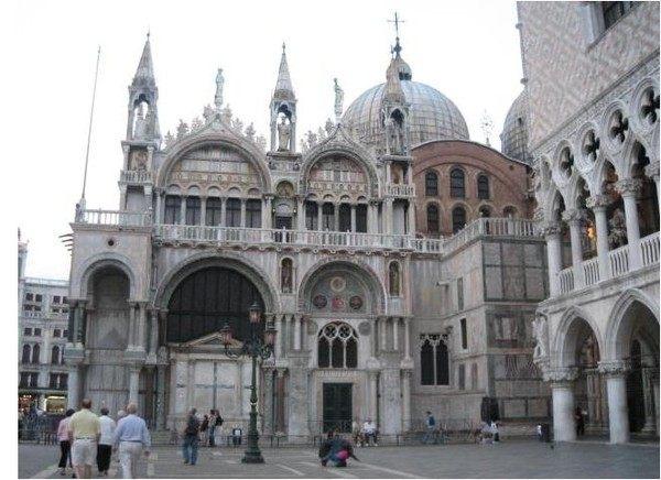 你愿意和我一起走遍世界上的教堂吗?_圣可马大教堂.jpg