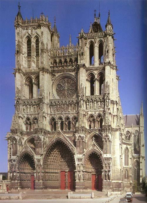 你愿意和我一起走遍世界上的教堂吗?_阿米朗大教堂.jpg