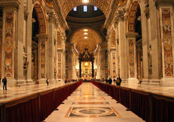 你愿意和我一起走遍世界上的教堂吗?_梵蒂冈圣彼得大教堂2.jpg