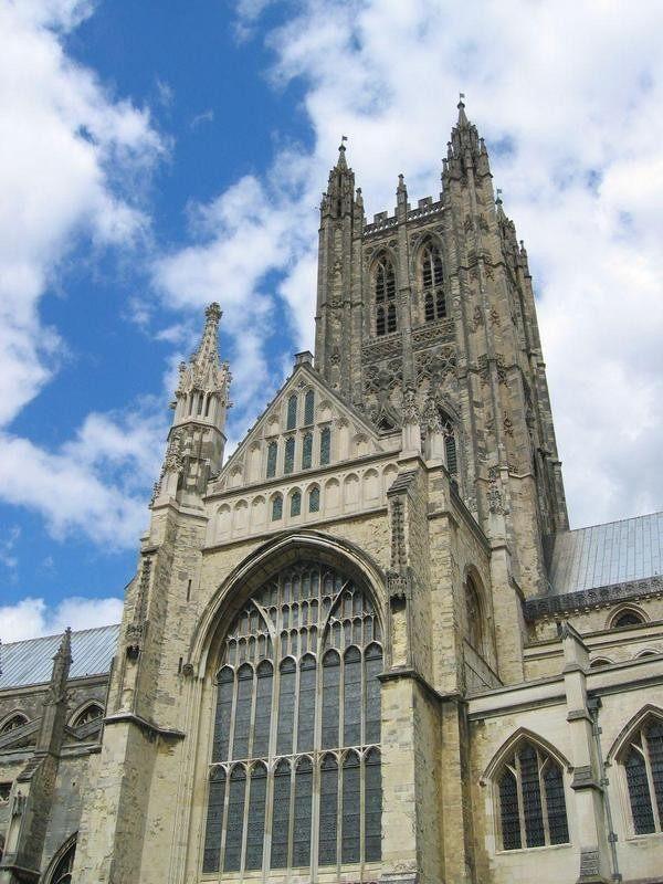 你愿意和我一起走遍世界上的教堂吗?_坎特伯雷教堂.jpg