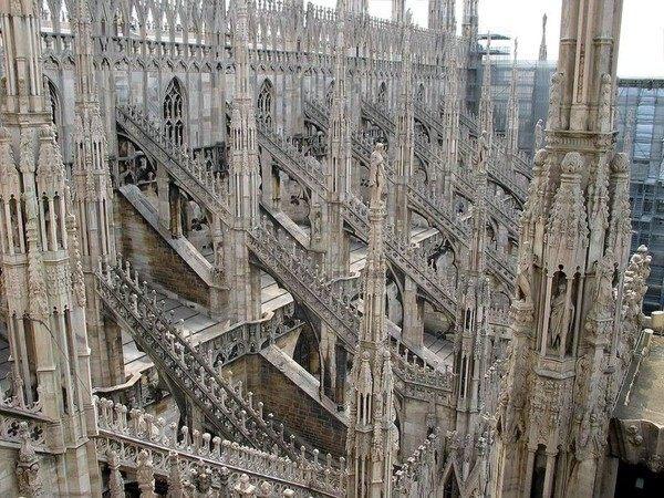 你愿意和我一起走遍世界上的教堂吗?_米兰大教堂3.jpg