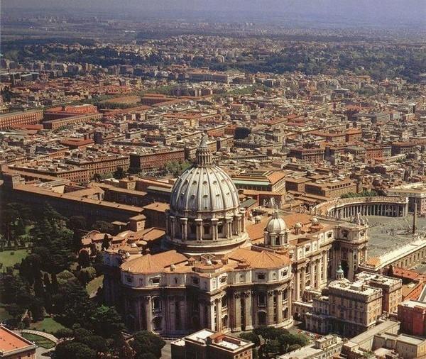 你愿意和我一起走遍世界上的教堂吗?_伯多禄大教堂.jpg