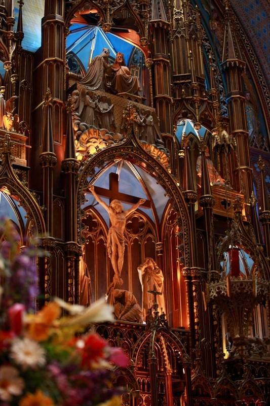 你愿意和我一起走遍世界上的教堂吗?_montreal的圣母大教堂.jpg