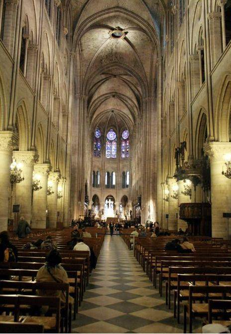 你愿意和我一起走遍世界上的教堂吗?_巴黎圣母院.jpg