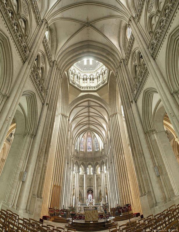 你愿意和我一起走遍世界上的教堂吗?_德国科隆大教堂2.jpg