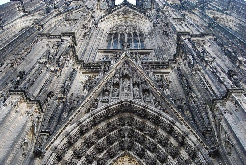 你愿意和我一起走遍世界上的教堂吗?_意大利米兰大教堂2.jpg