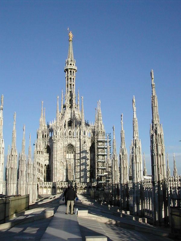 你愿意和我一起走遍世界上的教堂吗?_意大利米兰大教堂3.jpg