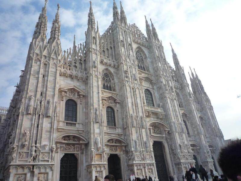 你愿意和我一起走遍世界上的教堂吗?_意大利米兰大教堂6.jpg