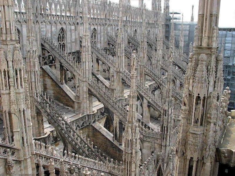 你愿意和我一起走遍世界上的教堂吗?_意大利米兰大教堂10.jpg