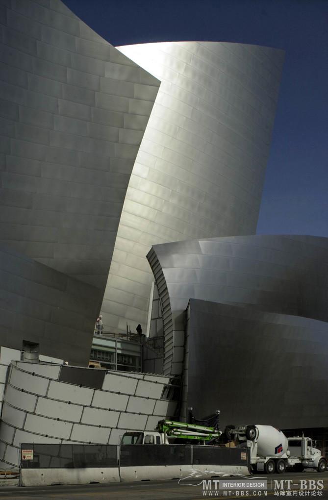 弗兰克·盖里(FrankOwenGehry)_2102-b.jpg