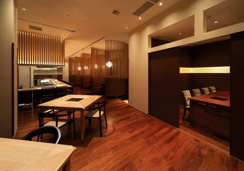 Top restaurant design 高级餐饮空间案例_(谢)Yoshimitsu  table area & private room.jpg