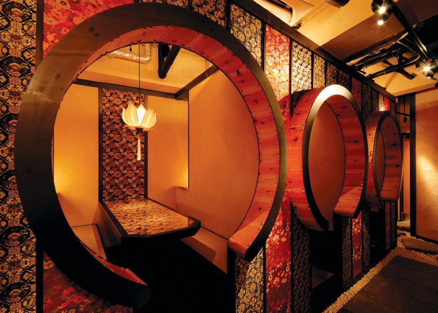 Top restaurant design 高级餐饮空间案例_(谢)sakafune06.jpg