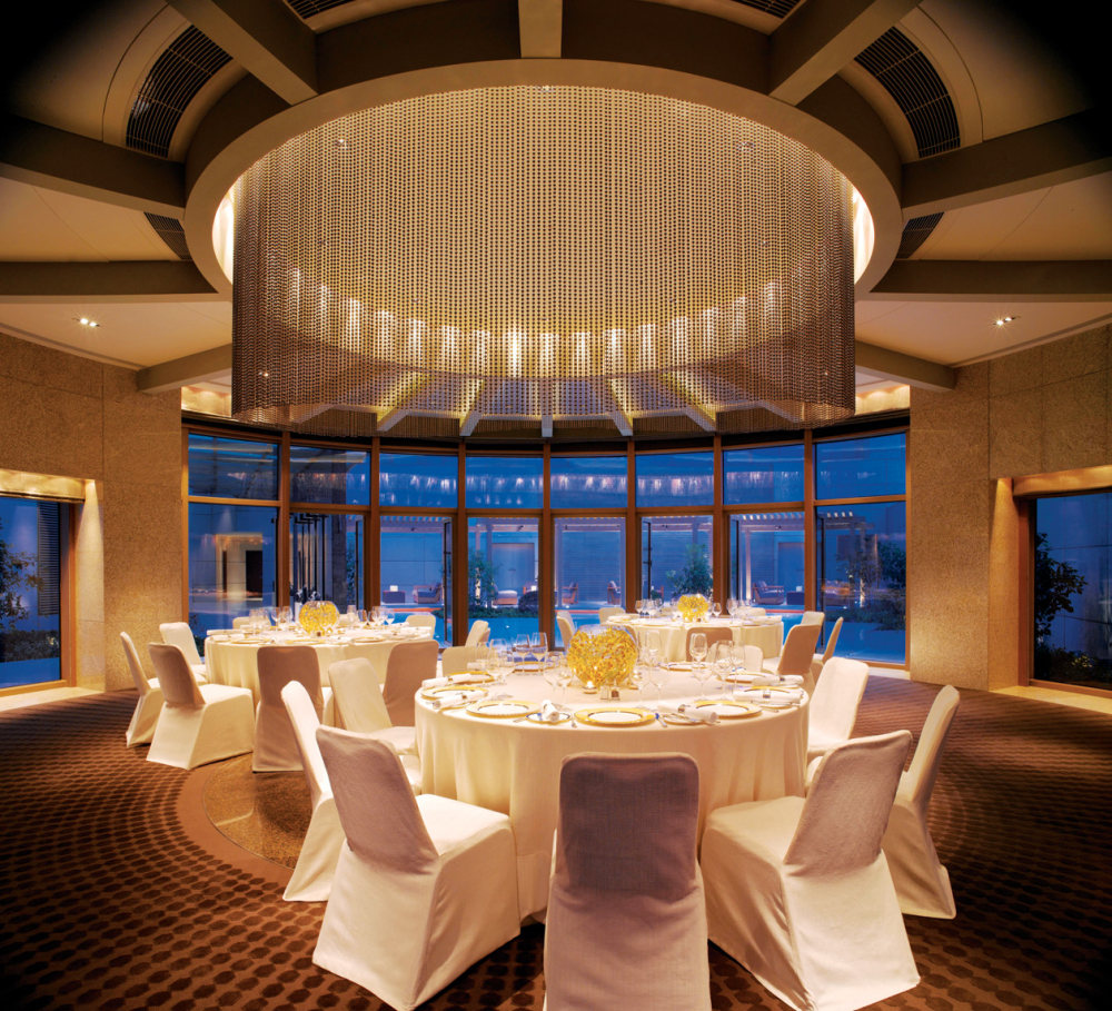 Top restaurant design 高级餐饮空间案例_玻璃房(上海外滩茂悦大酒店)谢.jpg