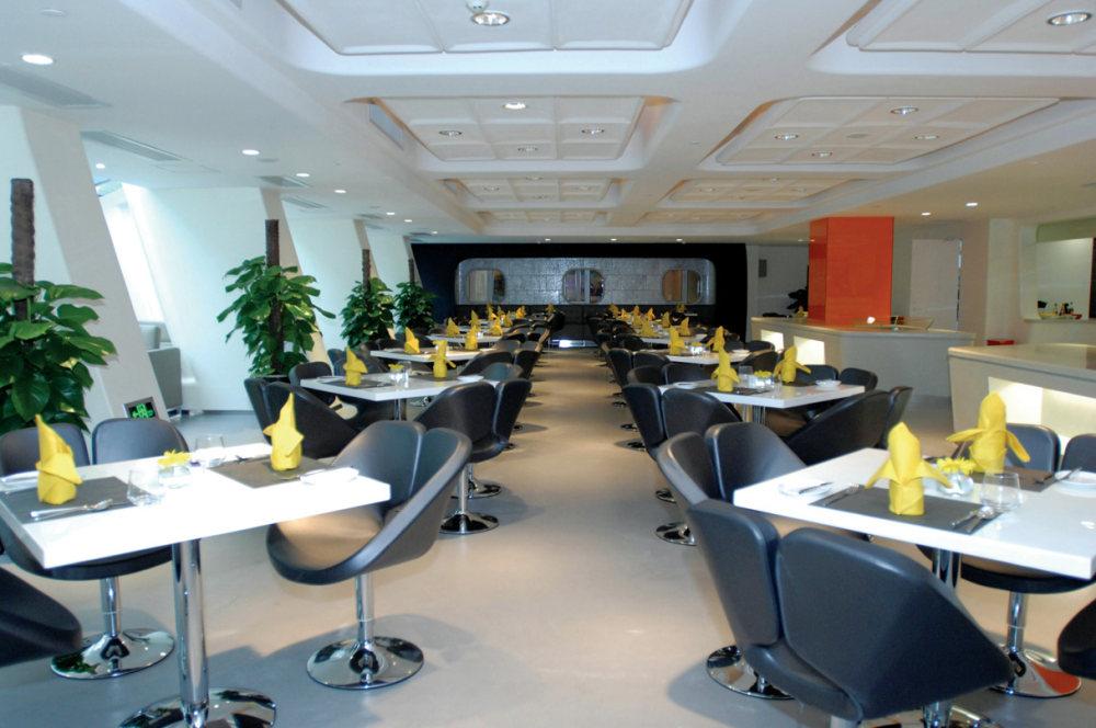 Top restaurant design 高级餐饮空间案例_(谢)茵特拉跟房车酒店 咖啡厅.jpg