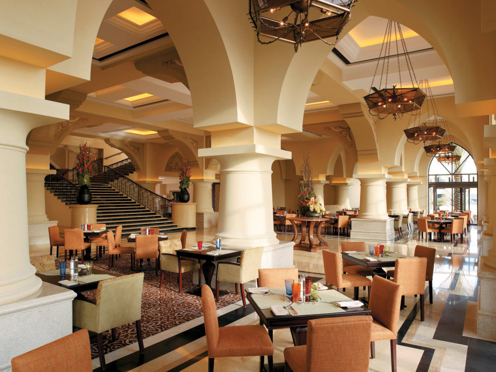 Top restaurant design 高级餐饮空间案例_咖啡厅用餐区(阿布扎比香格里拉)谢.jpg
