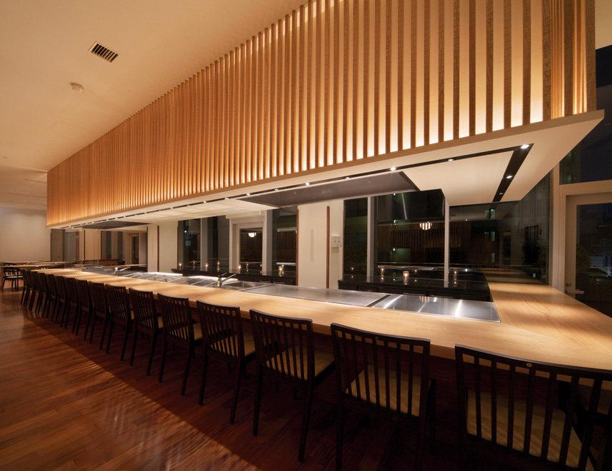 Top restaurant design 高级餐饮空间案例_(谢)Yoshimitsu counter 2.jpg