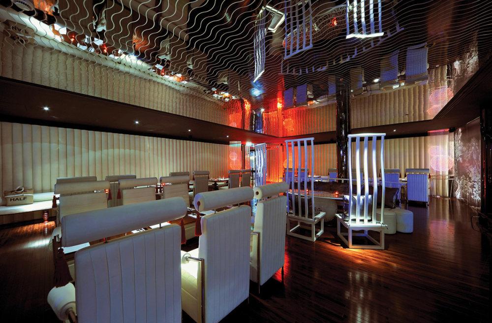 Top restaurant design 高级餐饮空间案例_(谢)天花_02.jpg