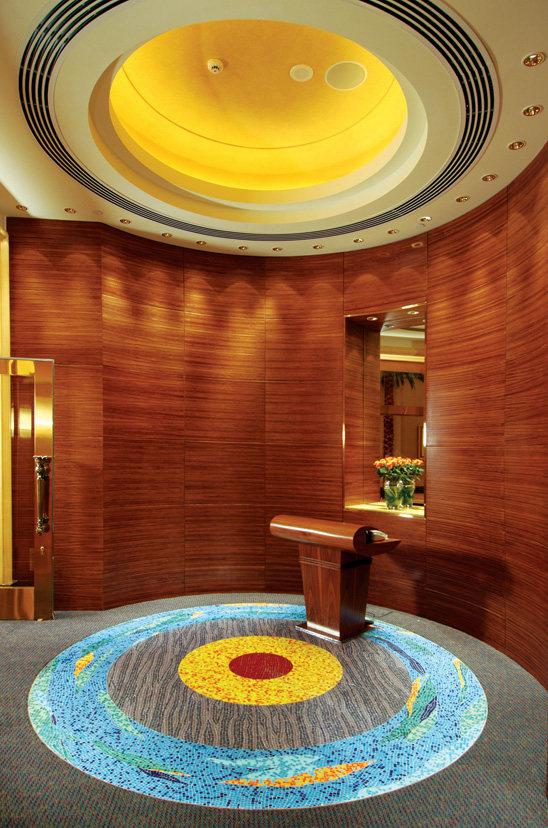 Top restaurant design 高级餐饮空间案例_Mezzaluna餐厅入口(阿布扎比凯宾斯基酒店)谢.jpg