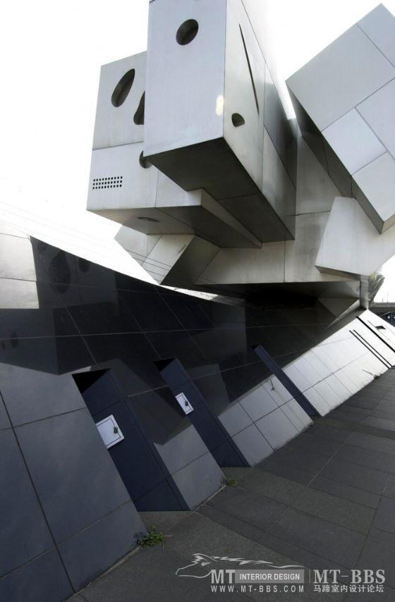 从未受过正规科班教育建筑师----安藤忠雄_4e64f3337aec6d845edf0e98.jpg