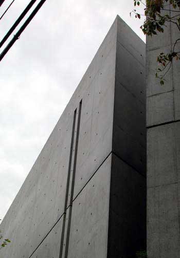 从未受过正规科班教育建筑师----安藤忠雄_1237263933_266770.jpg