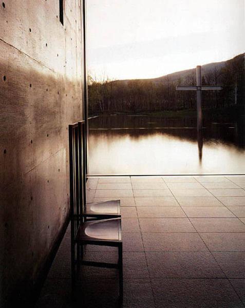 从未受过正规科班教育建筑师----安藤忠雄_20090322113145aa375.jpg