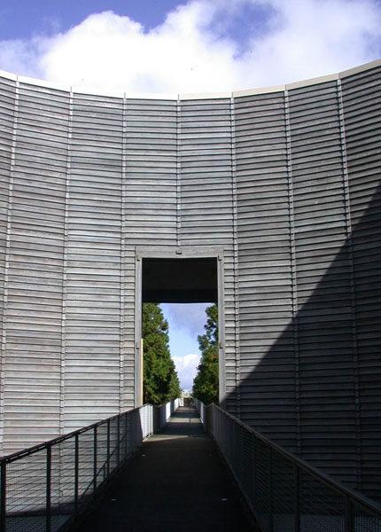 从未受过正规科班教育建筑师----安藤忠雄_2007111655757307.jpg