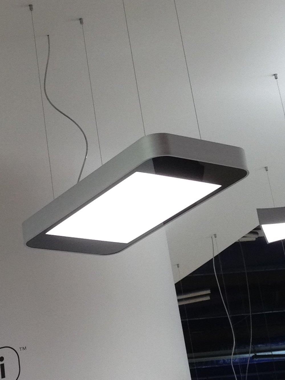 法兰克福照明展苹果手机吊灯.JPG