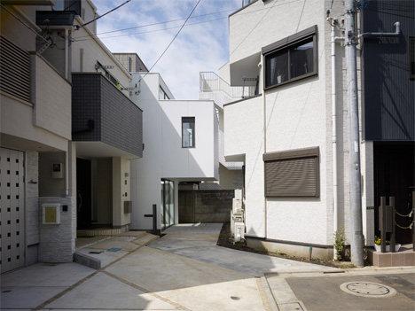 minna-no-ie-house-exterior.jpg