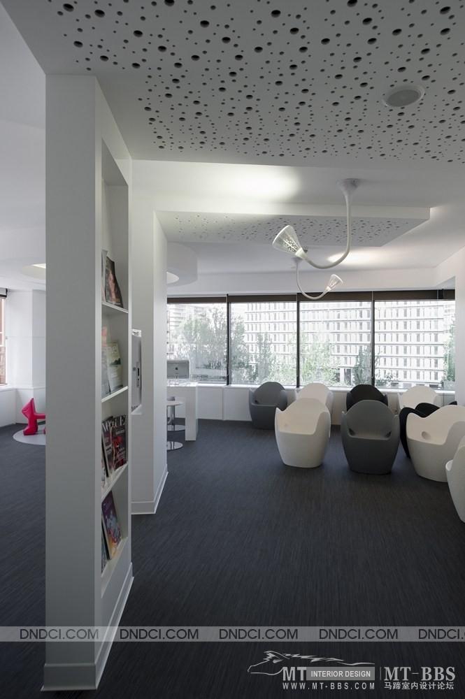 葡萄牙里斯本Clinica Jardim牙科医疗保健办公室_MD5e33f9261ad833f26.jpg