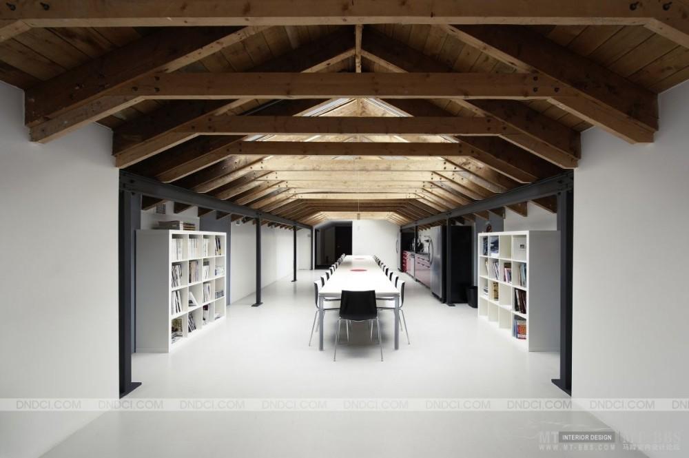 加拿大LEMAYMICHAUD设计公司的办公室_MD5154e8fbe14a4b035.jpg