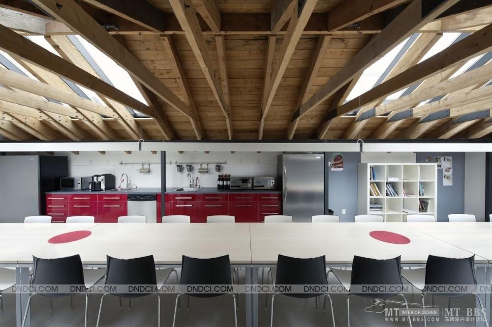 加拿大LEMAYMICHAUD设计公司的办公室_MD556da7fc503b02f09.jpg