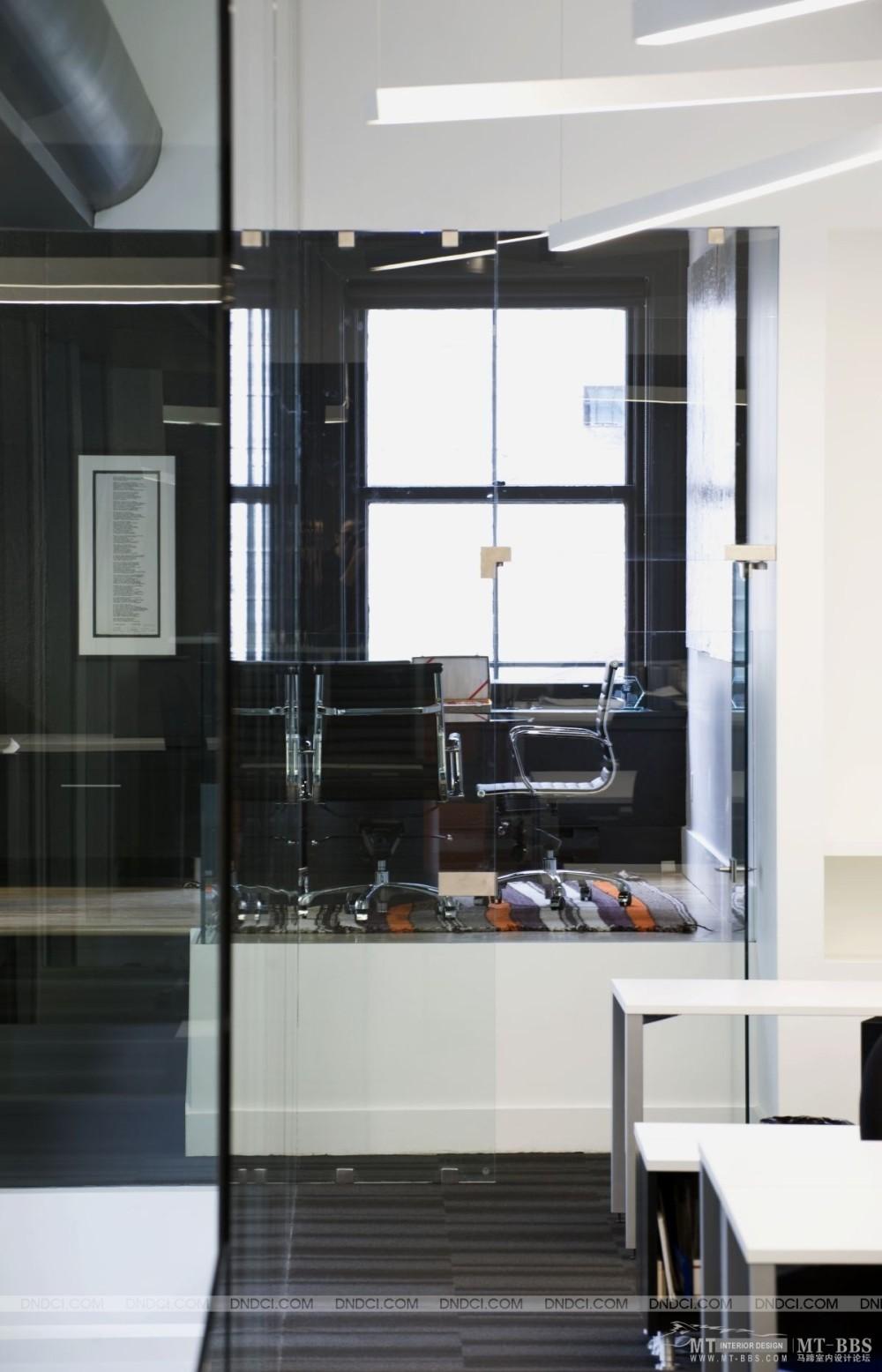 加拿大LEMAYMICHAUD设计公司的办公室_MD5bf6fd216c0cec98d.jpg