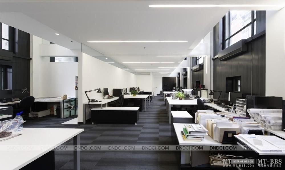 加拿大LEMAYMICHAUD设计公司的办公室_MD53d789a6ed65444bf.jpg