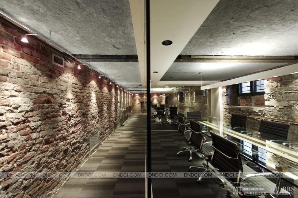 加拿大LEMAYMICHAUD设计公司的办公室_MD5754ebea9a303234b.jpg