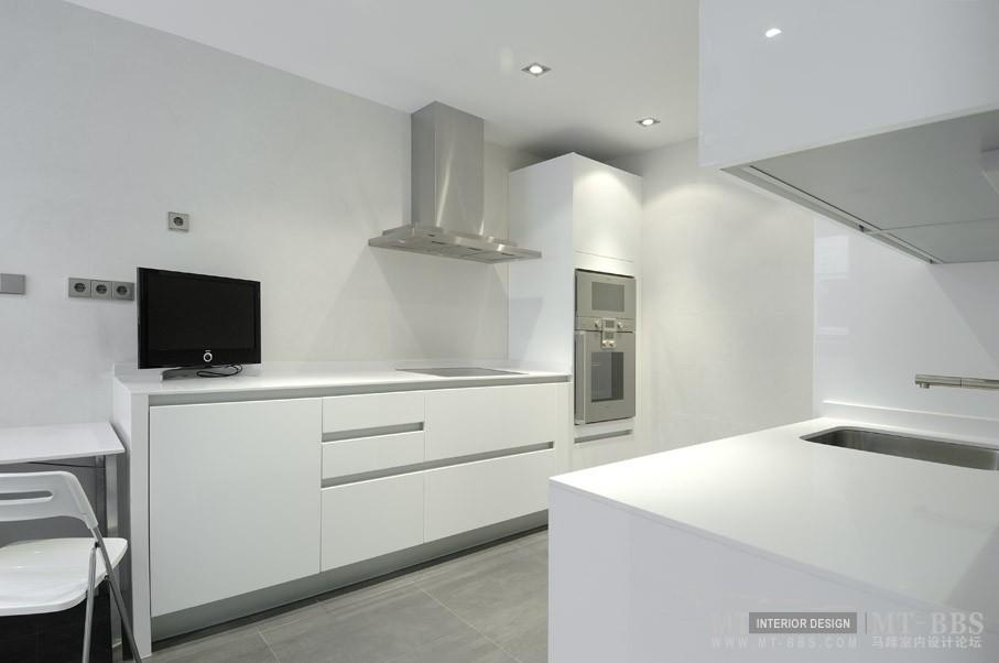 西班牙马德里老建筑公寓室内设计改造_IMG2011021861560793.jpg