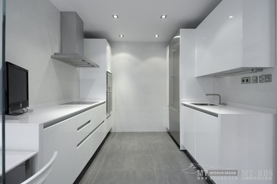 西班牙马德里老建筑公寓室内设计改造_IMG2011021861575293.jpg