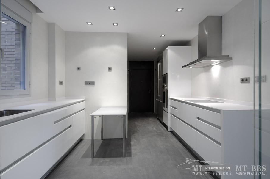 西班牙马德里老建筑公寓室内设计改造_IMG2011021861578840.jpg