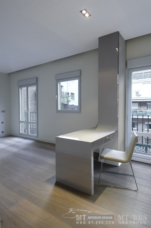 西班牙马德里老建筑公寓室内设计改造_IMG2011021861599747.jpg