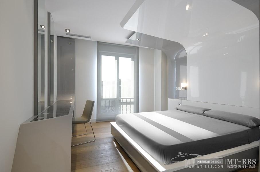 西班牙马德里老建筑公寓室内设计改造_IMG2011021861621340.jpg