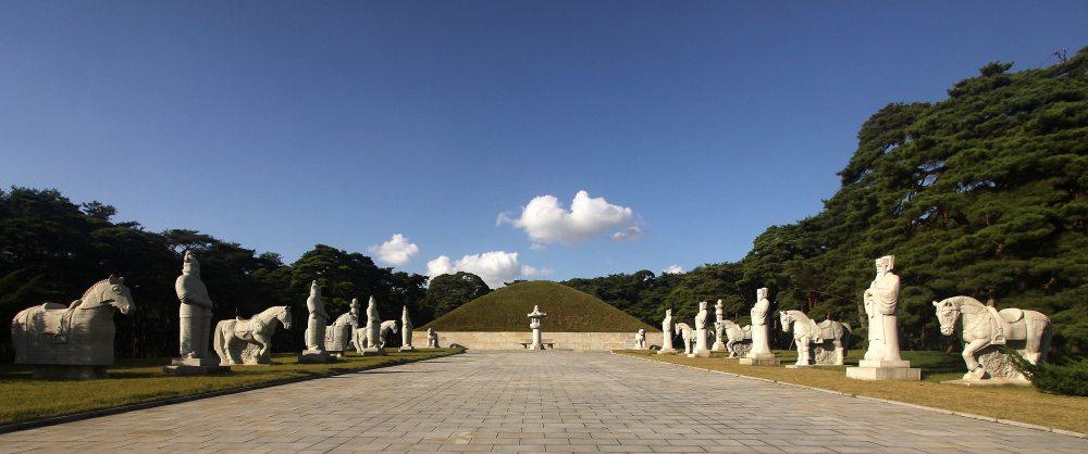 朝鲜国王墓1.jpg