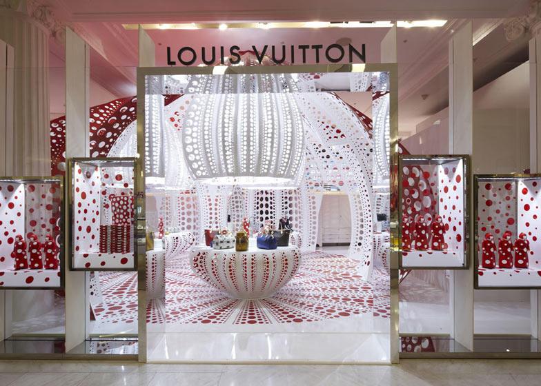 路易威登和草间弥生  概念在Selfridges商店_dezeen_Louis-Vuitton-and-Kusama-concept-store-at-Selfridges_ss_5.jpg